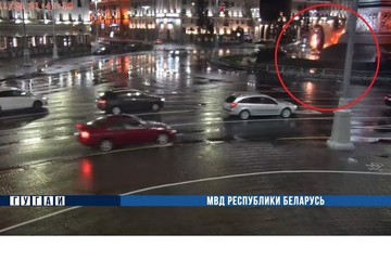 «Машина пролетела рядом с обелиском и вспыхнула»: подробности резонансной аварии на площади Победы в Минске