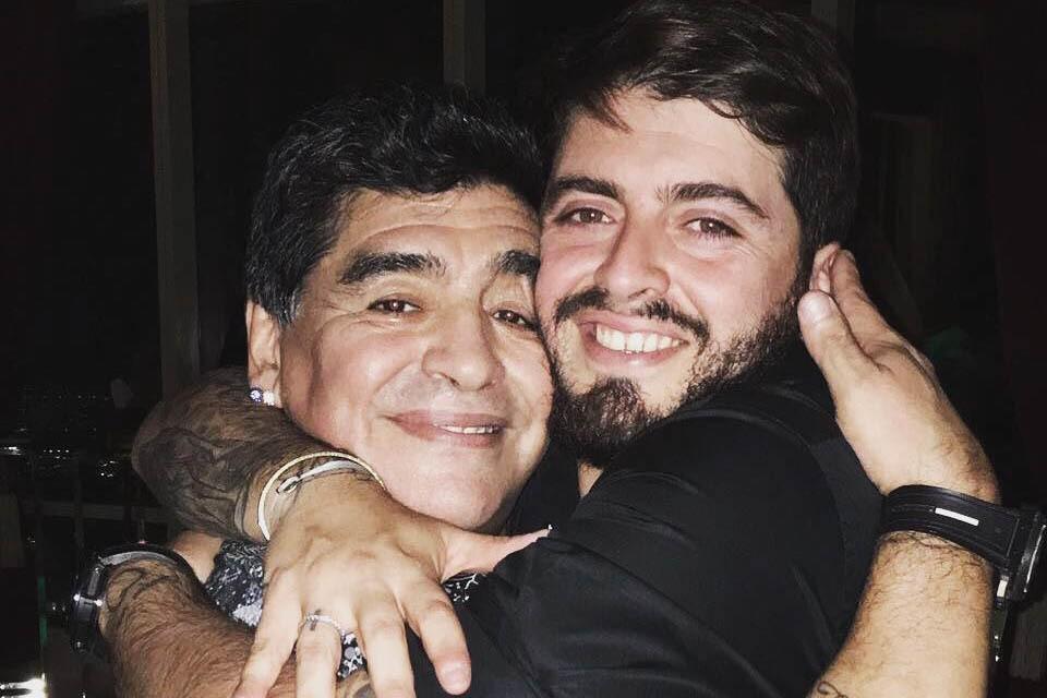 Сын Марадоны не сможет проститься с отцом