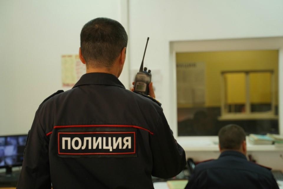 Стражи порядка нарушили закон о противодействии коррупции.