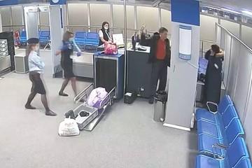 Пьяный дебошир устроил скандал в аэропорту Норильска и угрожал бутылкой виски сотрудникам безопасности
