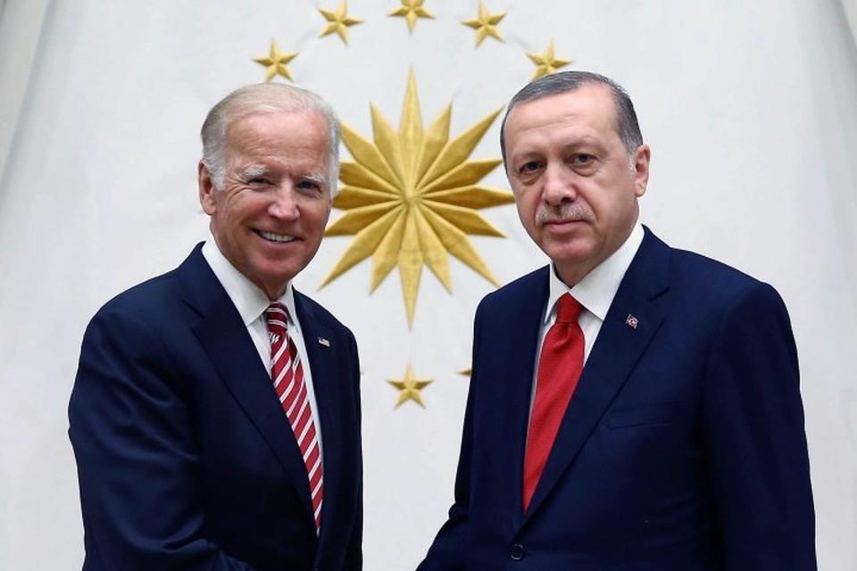 Предполагаемый победитель президентских выборов в США демократ Джо Байден и президент Турции Реджеп Тайип Эрдоган