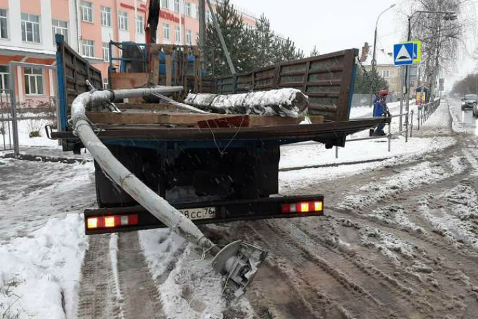 Компания, которой принадлежит самосвал, заплатит за восстановительные работы около 200 тысяч рублей