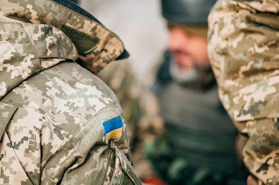 Киевские силовики воруют военное имущества для продажи. Фото: штаб ООС