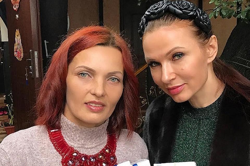 Эвелина Бледанс с сестрой Дианой.