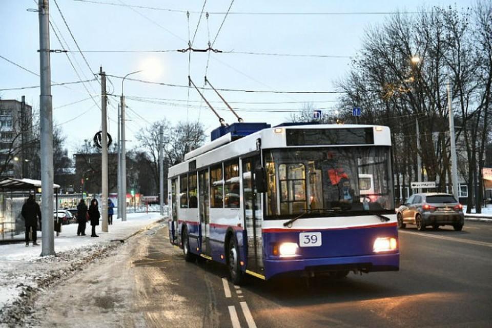 В настоящее время идет приемка работ, связанных с новой контактной сетью для троллейбусов