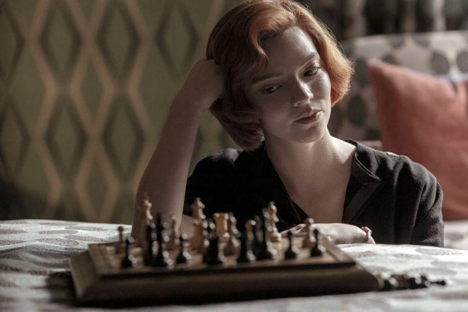 Про что кино? Про шахматы. Сплошные ходы весь фильм