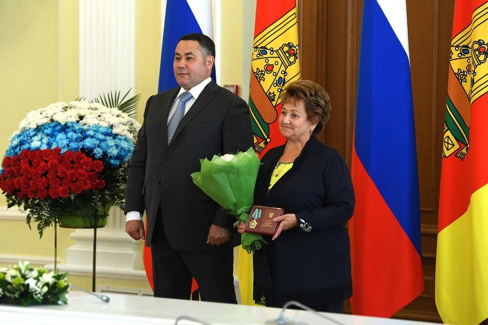 Этим летом губернатор торжественно вручил Лилии Корниенко Орден Дружбы. Фото: ПТО