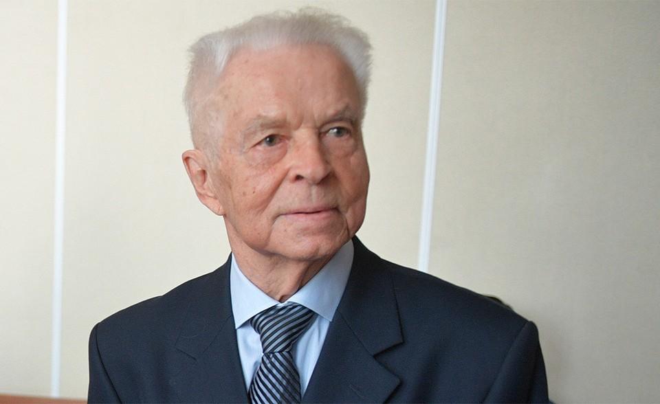 Евгений Михайлович Тяжельников скончался на 92 году жизни.