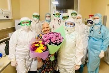 Президент Татарстана поблагодарил врачей за спасение 101-летней женщины от коронавируса