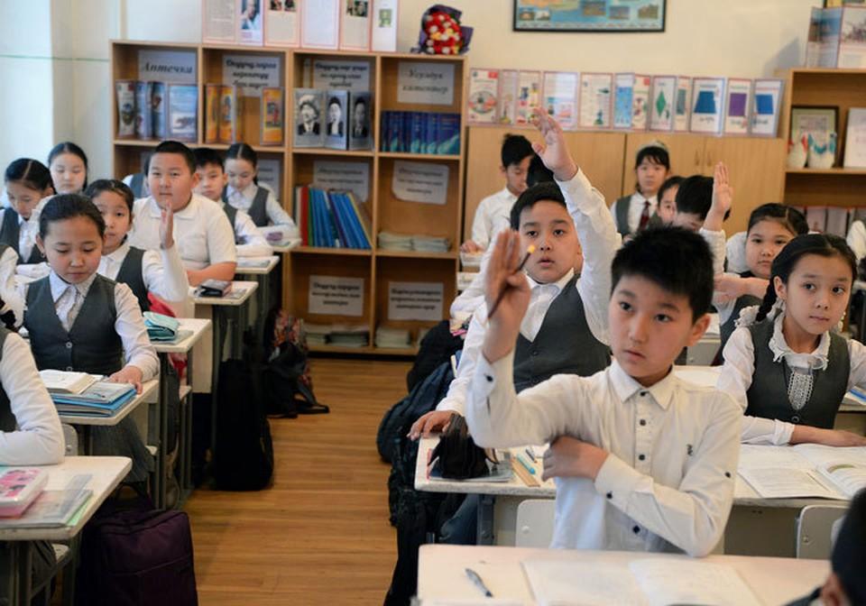 Вопрос с переходом на традиционный формат обучения детей пока остается открытым.