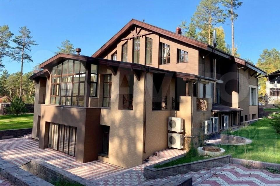 Коттедж за 100 миллионов рублей продают в Кузбассе. Фото: Avito.ru