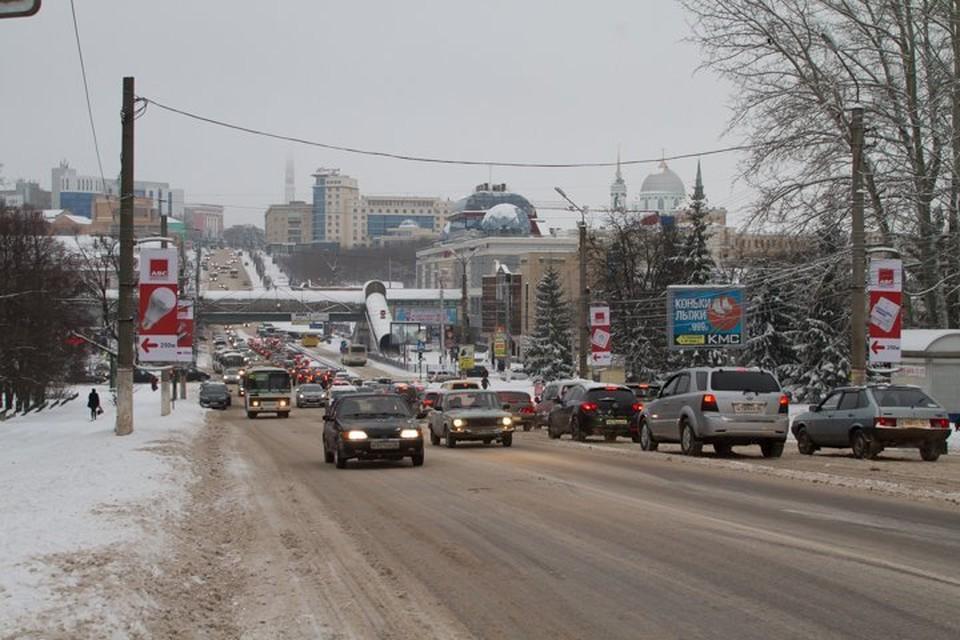 Местами налипание мокрого снега, на дорогах гололедица