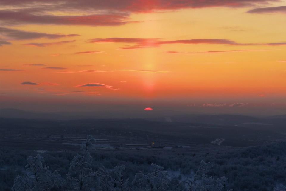 Солнце задержится на горизонте чуть больше, чем на полтора часа. Фото: Виталий Макаров