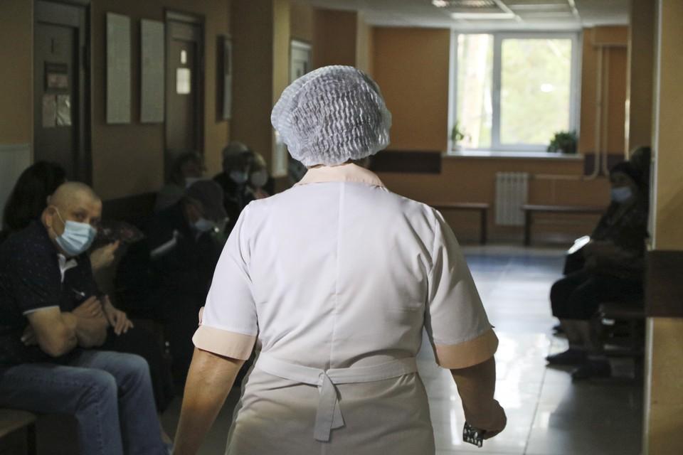 В Кемерове суд оштрафовал медсестру за выход на работу с коронавирусом