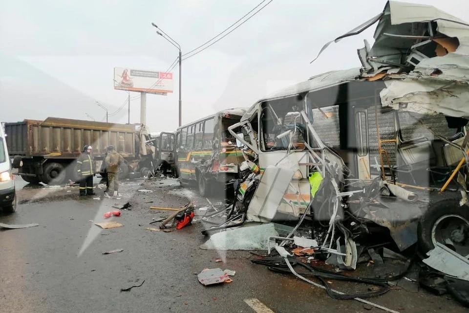 Четыре человека погибли в аварии с колонной военных автобусов под Москвой