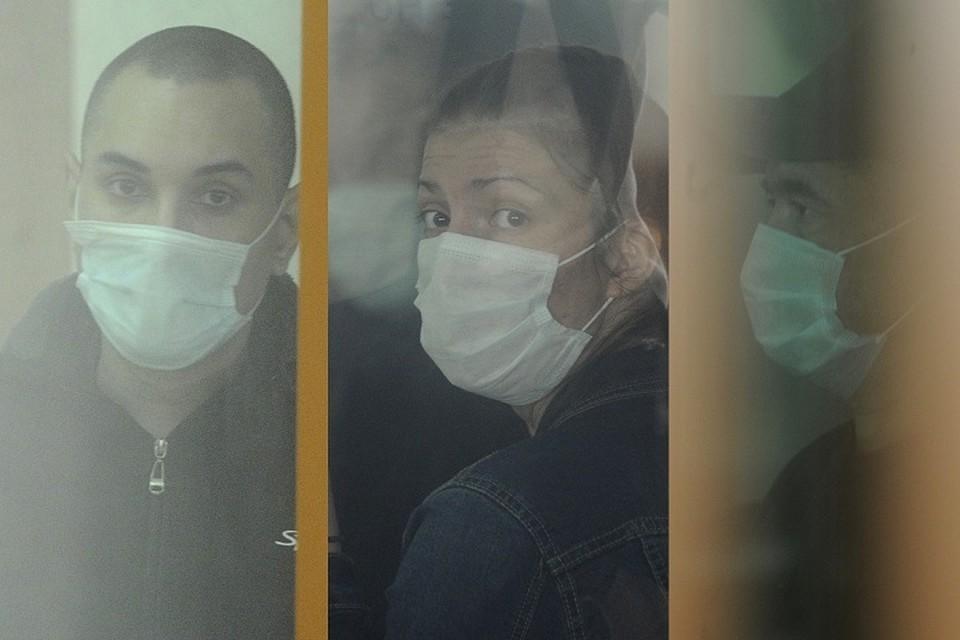 «Я буду сама себя защищать»: обвиняемая в убийстве Ксении Каторгиной устроила истерику в суде