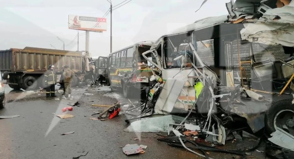 В ДТП погибли четыре человека и пострадали 50
