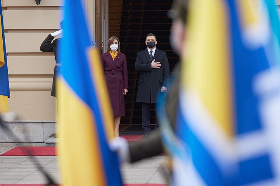Майя Санду и Владимир Зеленский все обсуждения проводят за закрытыми дверями.
