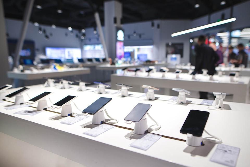 Правительство утвердило список отечественных программ, без которых нельзя продавать новые телефоны, компьютеры и «умные» телевизоры
