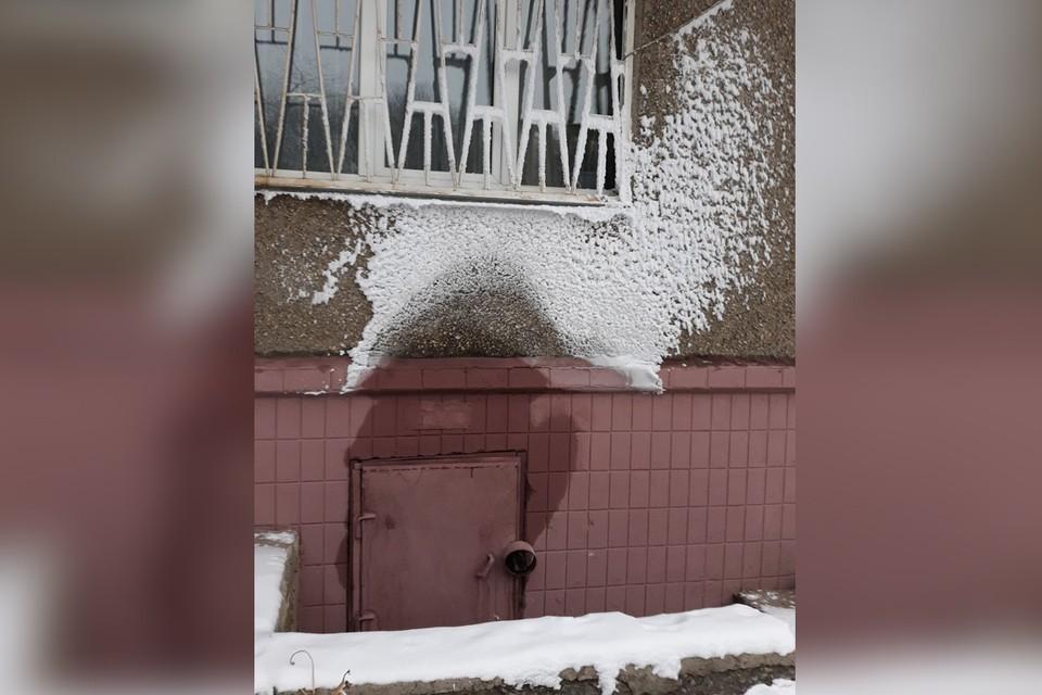 Авария произошла прямо под окнами квартиры.