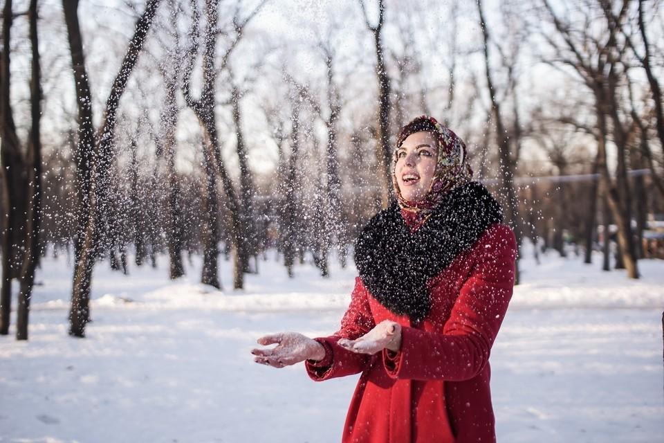 Выходить на улицу в мороз надо с трезвой головой, а вернувшись домой - греться чаем