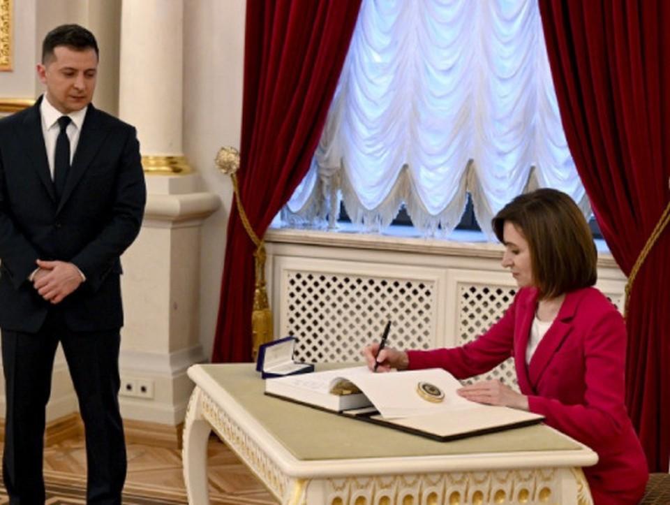 Президент Молдовы Майя Санду побывала с рабочим визитом на Украине, встретившись с главой соседнего государства Владимиром Зеленским. Фото:bloknot-moldova.md