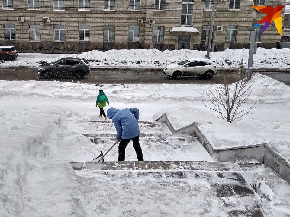 Саратовцев просят помочь убрать снег в городе