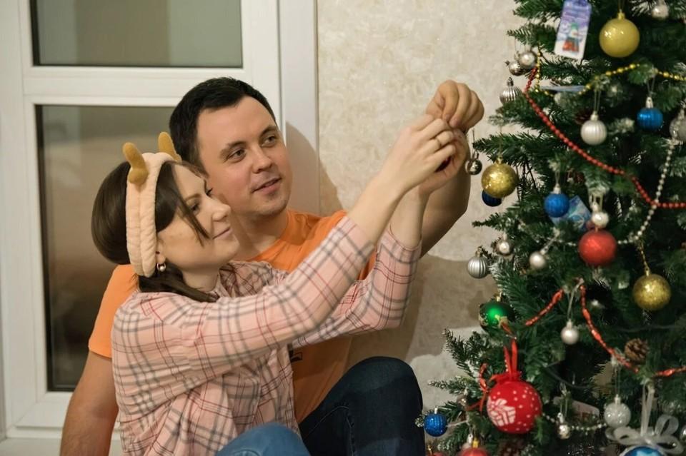 Новый год пара справила уже в своей квартире. Фото: архив компании.