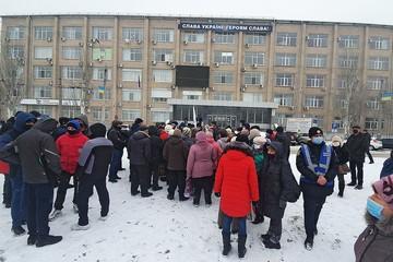 На Украине протестующие против повышения тарифов ЖКХ начали захватывать административные здания