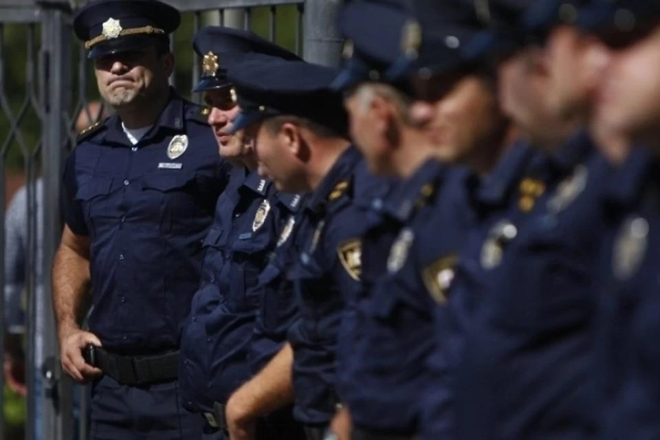 Бывший полицейский удерживал заложников в Грузии, требуя отправить его в Россию
