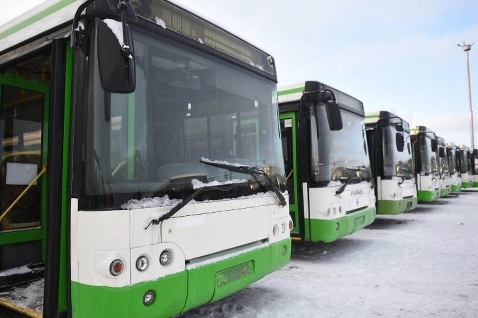 """Проблемы с комфортным общественным транспортом в городе начались с того, что в феврале 2020 года мэрия была вынуждена вернуть КАМАЗУ """"НЕФАЗы"""". Фото: мэрия Набережных Челнов."""