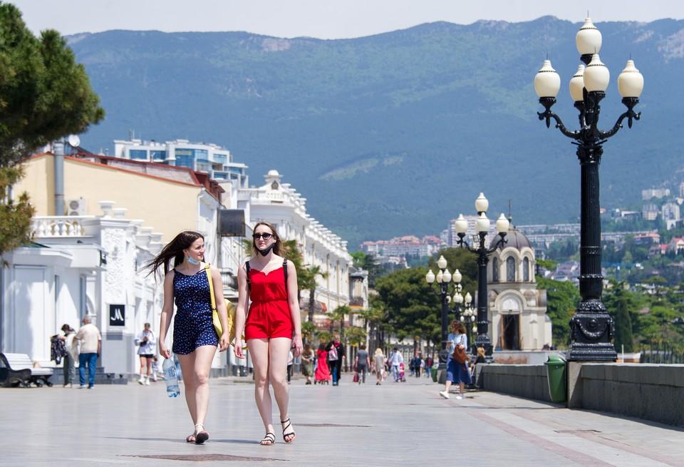 Май-июнь крымские курорты провели без туристов