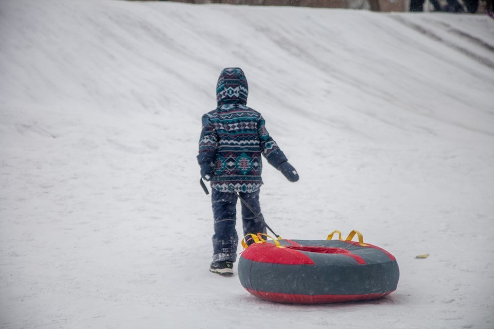 В январе из-за катания на тюбингах пострадали уже много детей.