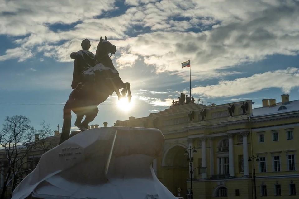 """""""Комсомолка"""" собрала последние новости о коронавирусе в Санкт-Петербурге на 22 января 2021 года."""