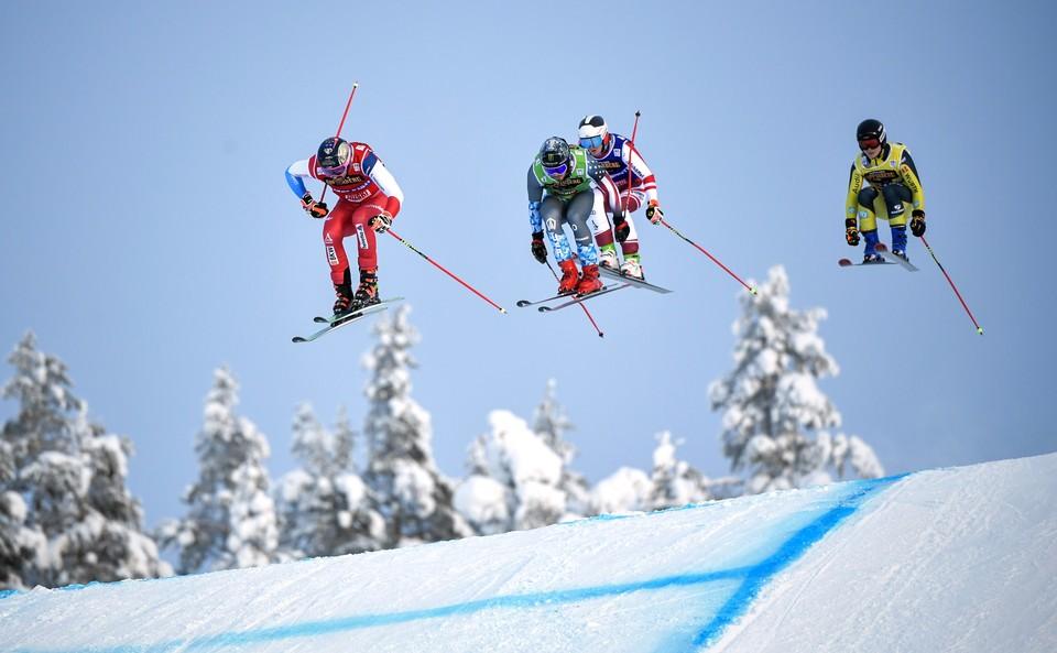 Российские лыжники заняли третье место в эстафете на этапе Кубка мира