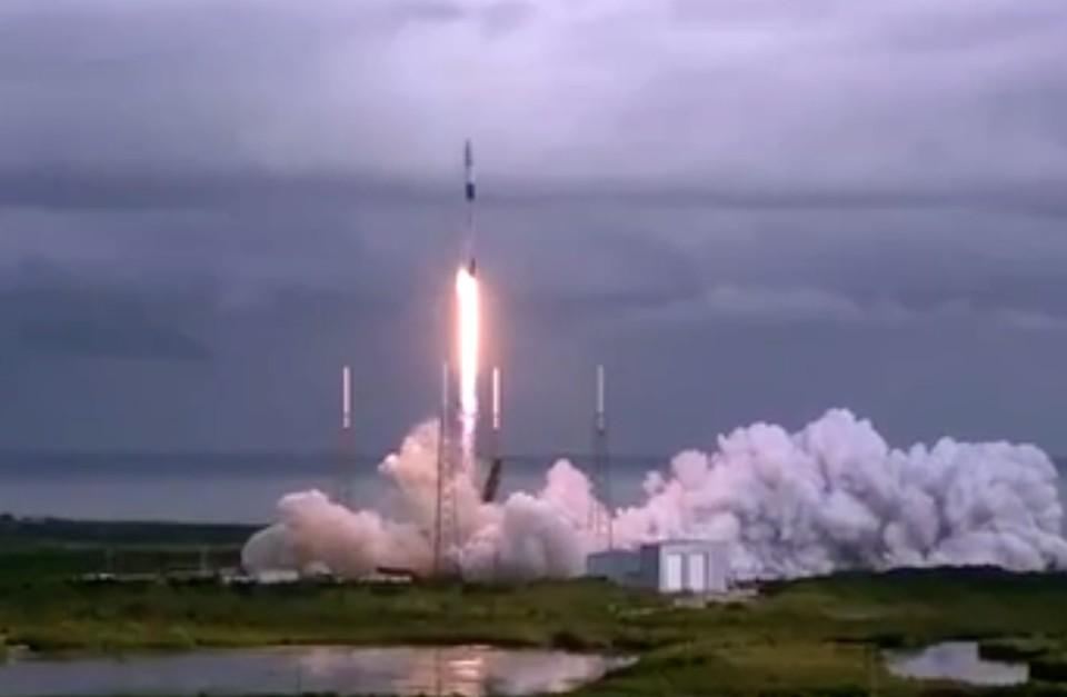 Ракета Falcon 9 стартовала на орбиту. Фото: скриншот видео.