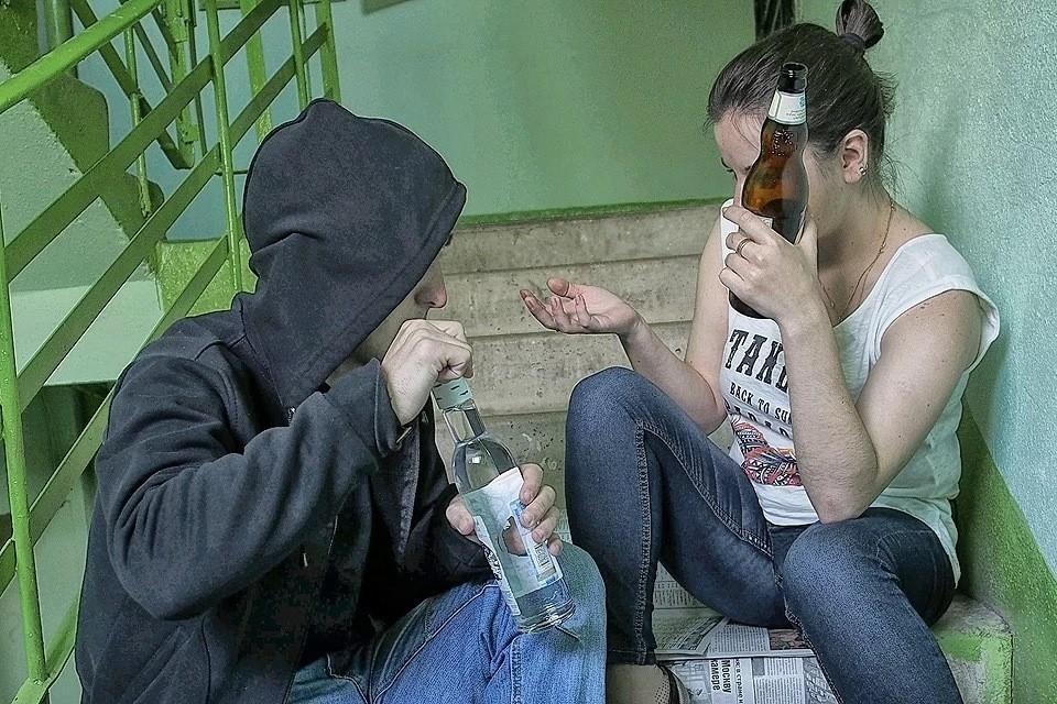 Общественники предложили в 10 раз увеличить штрафы за приучение детей к алкоголю