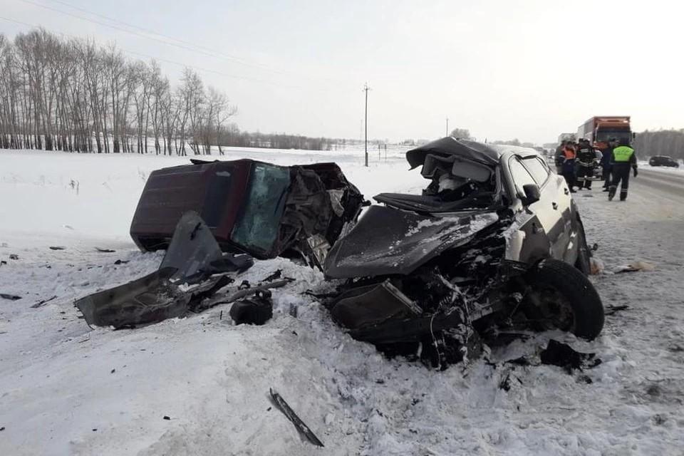 Мужчина чудом избежал смерти в аварии на Чуйском тракте, произошедшей 23 января. Фото: УГИБДД по Новосибирской области