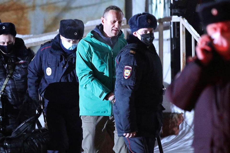 Почему Навального не любят, почему он для россиян чужой