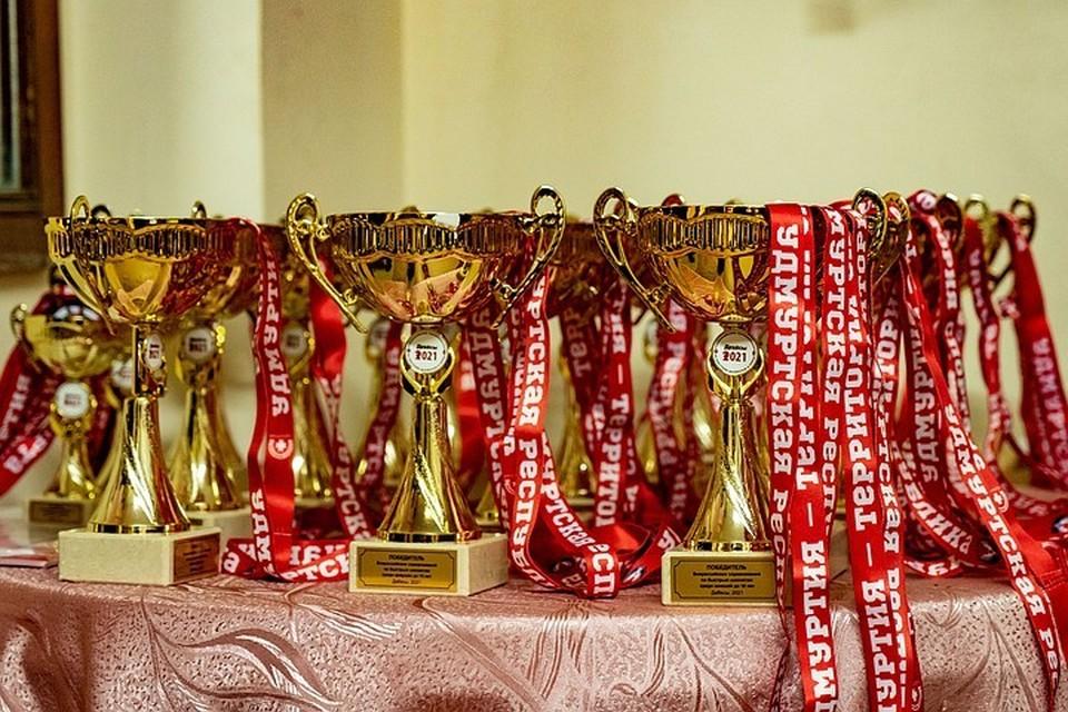 Утро в Ижевске: участие в этноконкурсе «Мастера гостеприимства», возобновление диспансеризации и подведение итогов соревнований по шахматам