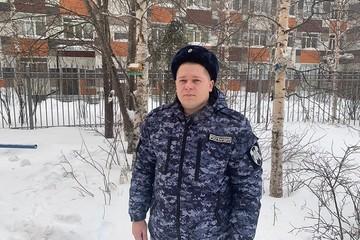 В Сургуте росгвардеец спас мужчину с эпилепсией и задержал зеваку-грабителя