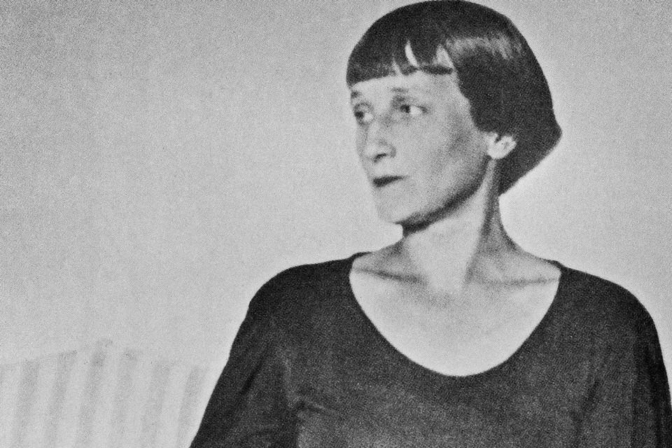 Поэтесса Анна Ахматова в усадьбе Шервинских, лето 1936 г. Фото Льва Горнунга. Репродукция ИТАР-ТАСС