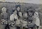 Истории первых переселенцев: «Немецкий хирург носил меня на руках»