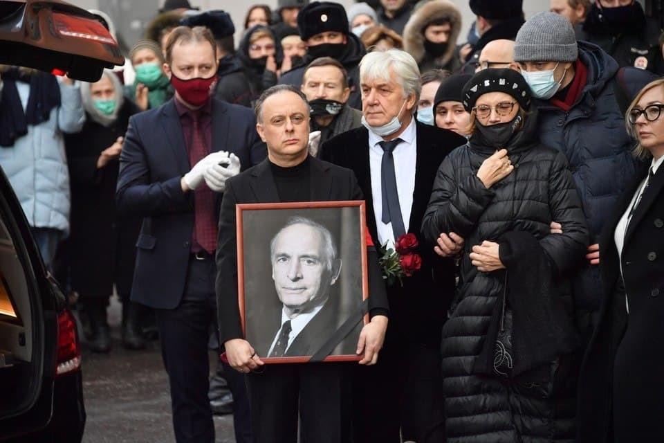 Василий Семенович обрел покой на Новодевичьем кладбище