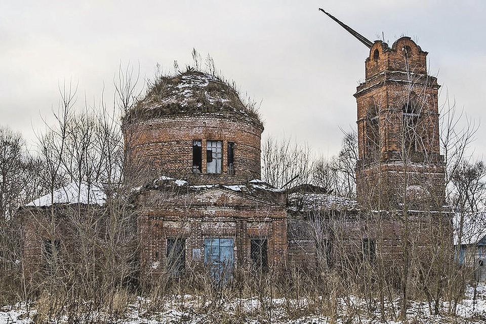 Так сейчас выглядит храм Димитрия Солунского 1843 года в селе Завалово Тульской области.