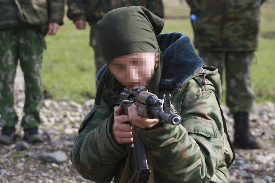 Юные боевики присоединились к ИГ*
