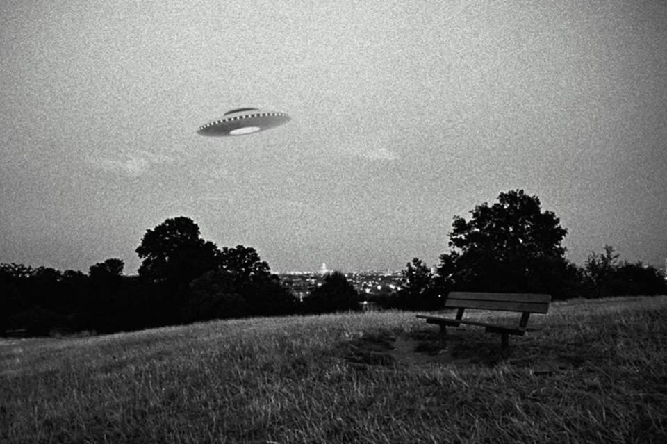 Очевидцы замечают НЛО по всему миру, однако наука точного ответа на вопрос о существовании внеземной жизни не дает фото: ufospace.net
