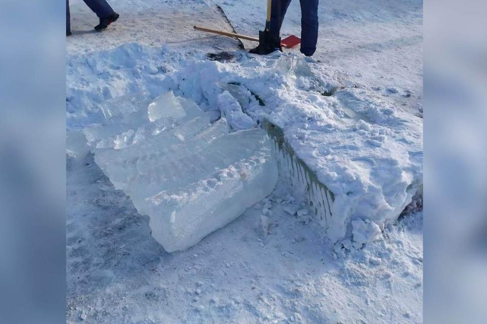 Ледовые скульптуры. Фото: instagram.com/len_raion_krsk/