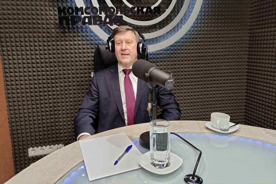 Анатолий Локоть покидать пост мэра не собирается.