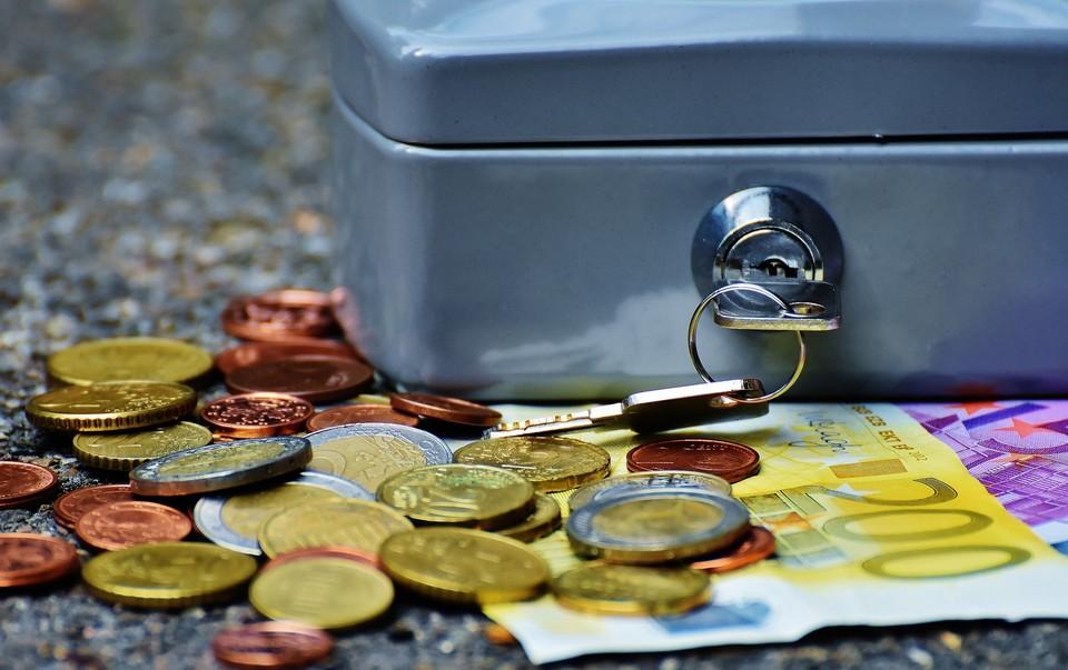 Грабители украли из кассы 120 тысяч тенге